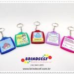 Chaveiros de acrílico personalizados para lembrancinhas