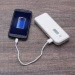 Powerbank-Plastico-com-Lanterna-BRANCO- Personalizado2903