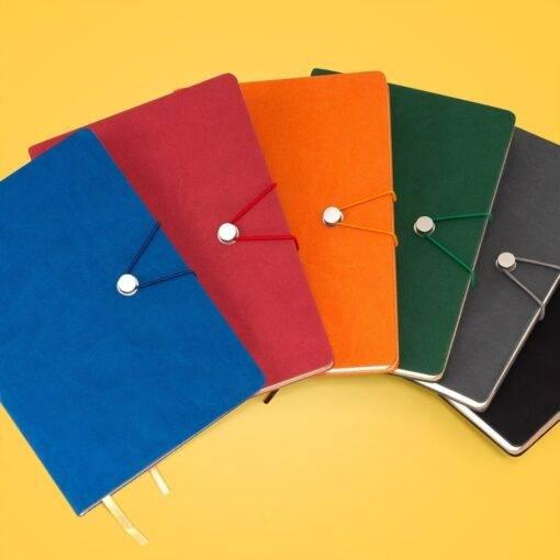 Caderneta Tipo Moleskine com Fecho Personalizada